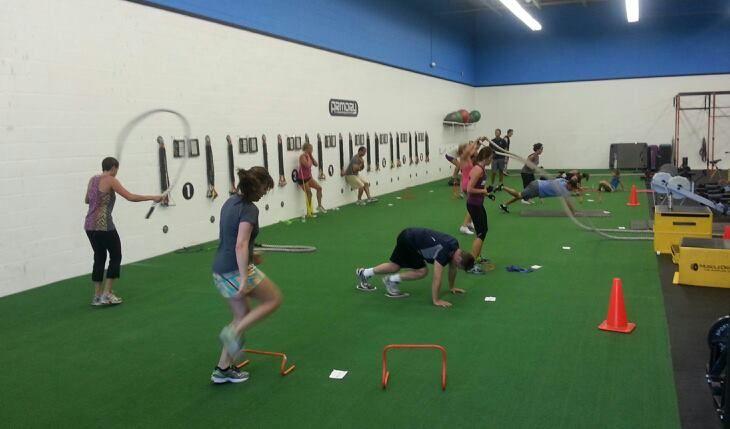 Gyms Artificialgrass La Grama Artificial Vale Para Todo Sports Training Strength And Conditioning Coach Gym