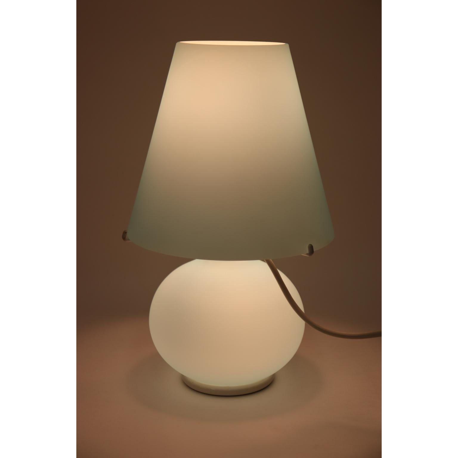 Paralume Murano Due Mid Century Modern Glass Table Lamp In 2020 Modern Glass Table Lamps Glass Table Lamp Modern Glass