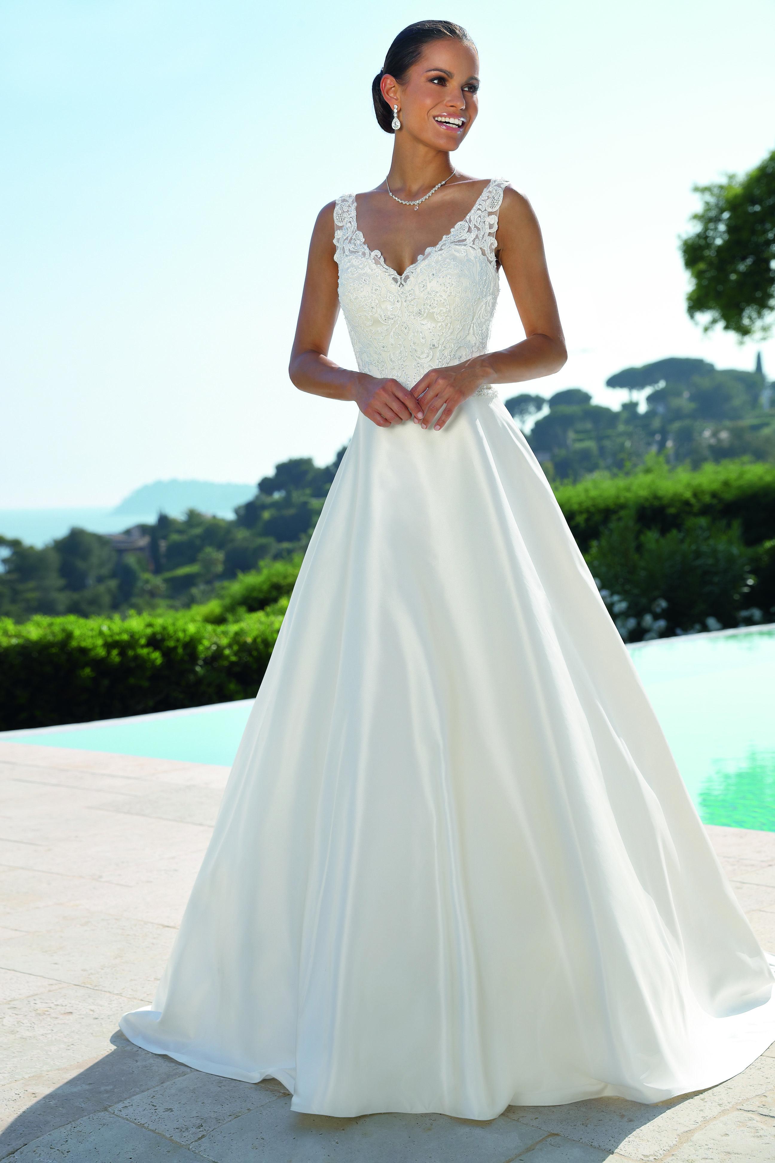 Ladybird 519052 Art 29095 Valkengoed Wedding Fashion