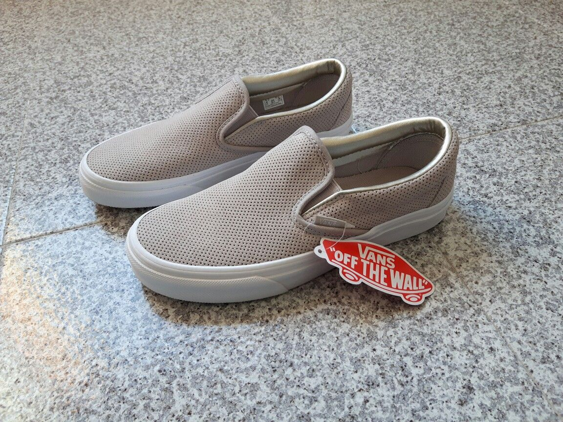 Vans Perf Suede Slip On Vans Silver Cloud   True white 186ea47fd