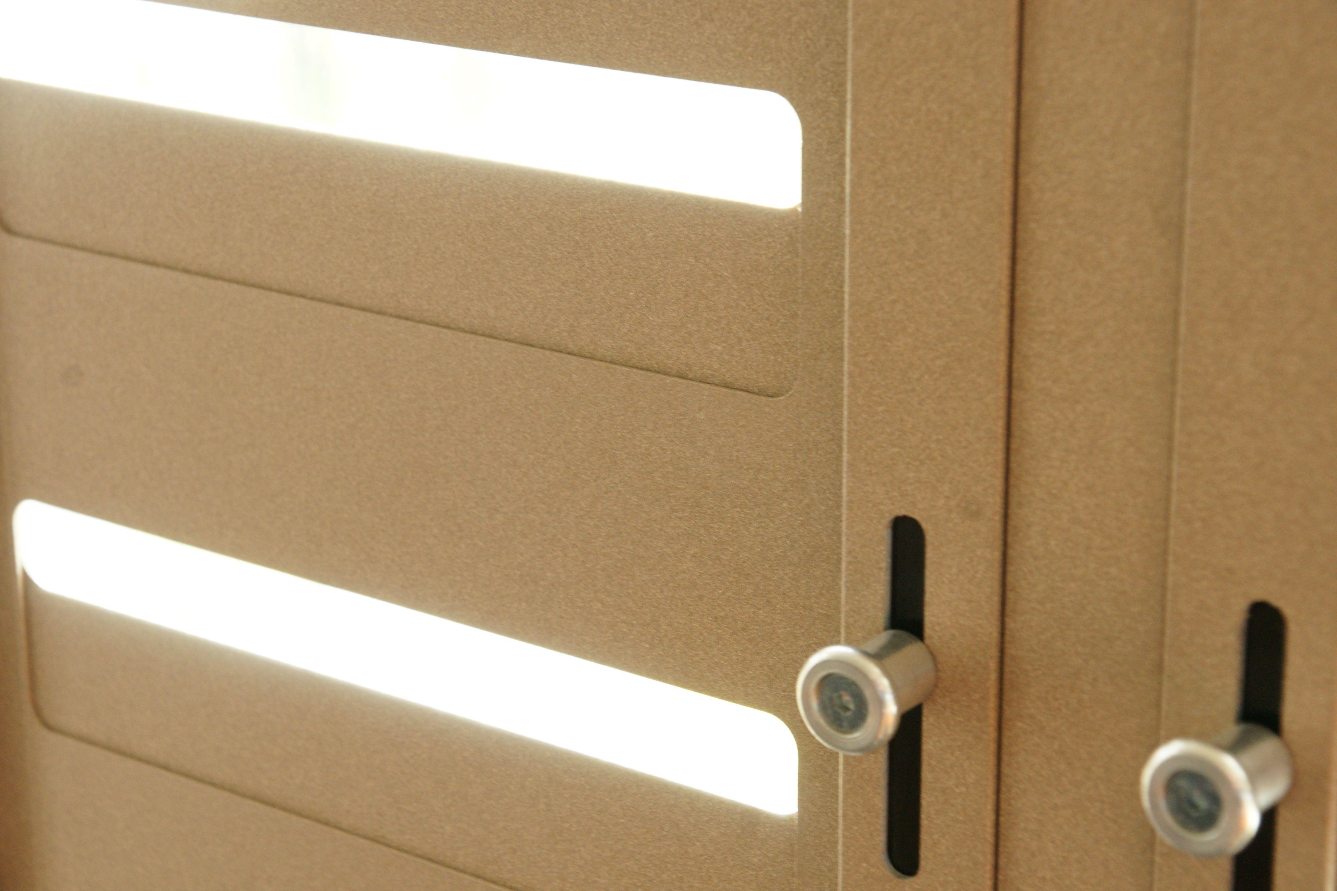 Aluminium shutters fractions