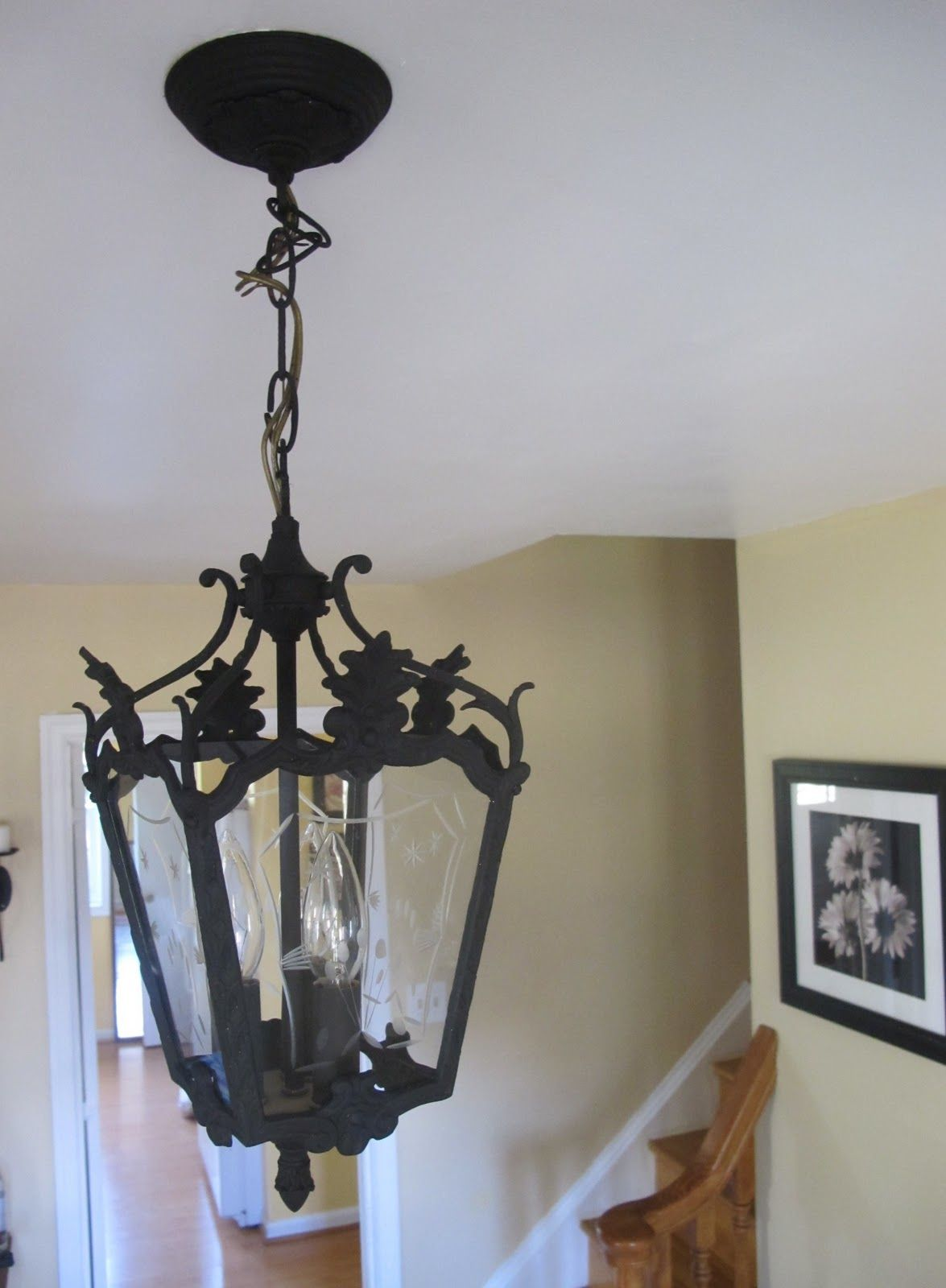 How to Paint an Ugly Pendant Light |