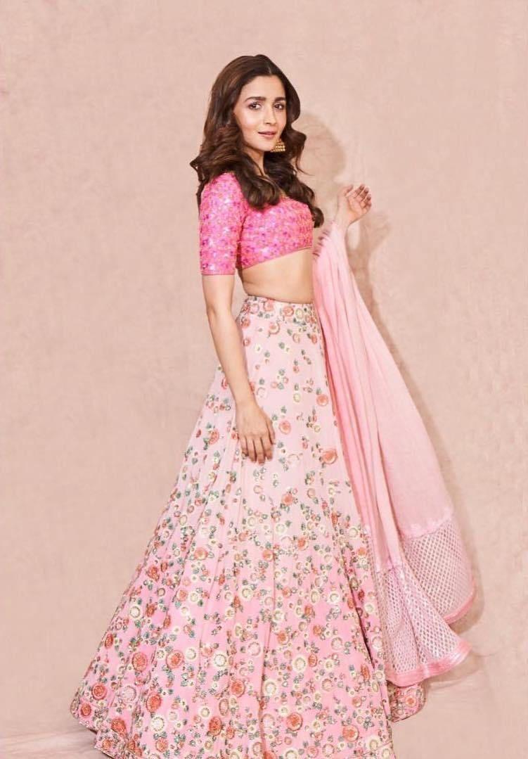 Alia Bhatt's Indian Looks From Kalank Promotions   Monday ...