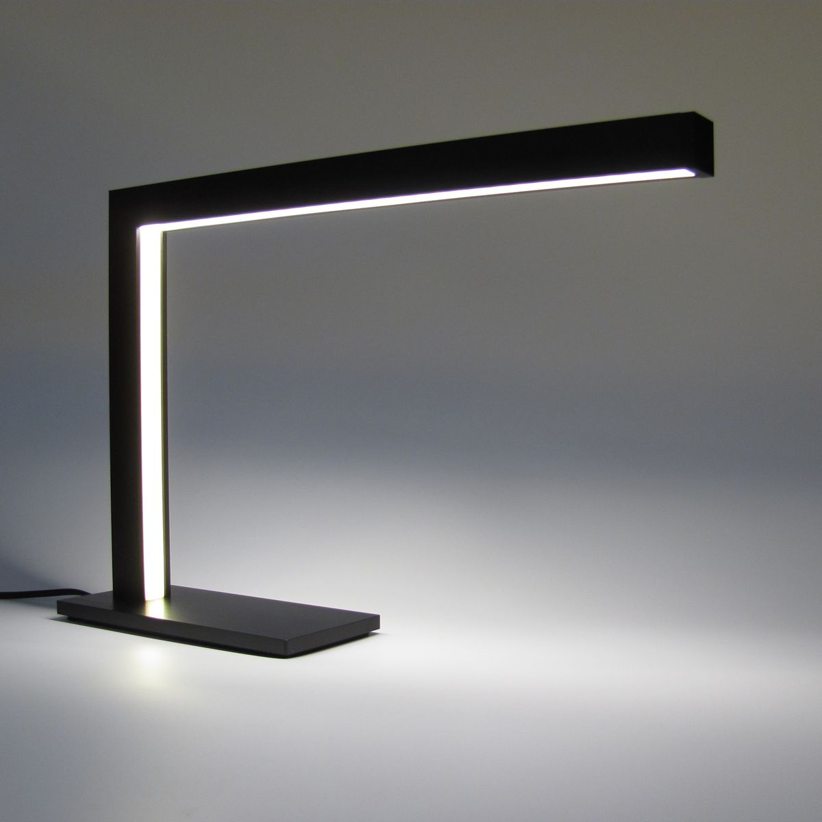 Led Desk Lamps Making You Protected From Stress And Strain Warisan Lighting Modern Desk Lamp Modern Desk Lighting Modern Table Lamp Design