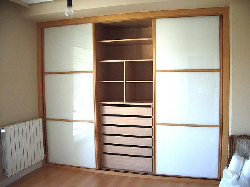 Armarios empotrados mi casa pinterest armario for Puertas madera barcelona