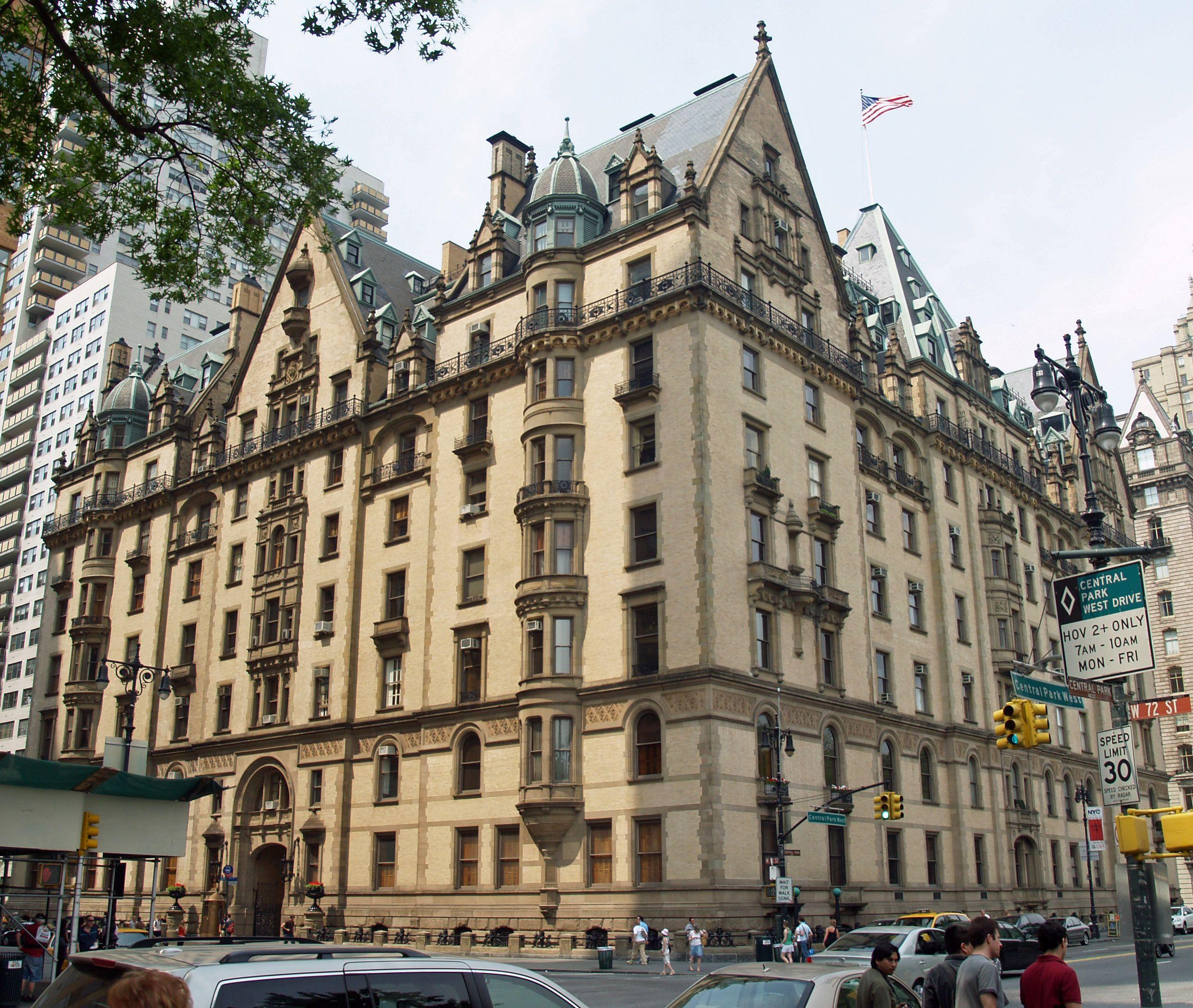 The Dakota John Lennon S New York City Apartment Building From