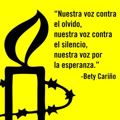 Bety fue asesinada el 27 de abril de 2010 mientras trataba de introducir alimentos y medicinas a una comunidad que se encontraba sitiada por grupos paramilitares. Hasta el día de hoy, su familia no ha recibido la verdad y justicia a las que tienen derecho. A pesar de esto, su voz resuena en los corazones de todas las personas que luchamos por un mundo más justo y nos da la fuerza para continuar exigiendo la verdad.  Suma ya tu voz a esta lucha en: www.alzatuvoz.org/justiciacopala