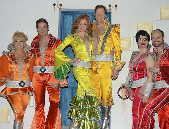 The Cast Of Mamma Mia 3 Mamma Mia Mamma Oogie Boogie Costume