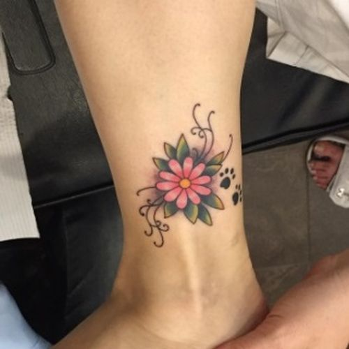 30 Small Daisy Tattoo Design Ideas With Meanings Small Daisy Tattoo Daisy Tattoo Designs Daisy Flower Tattoos
