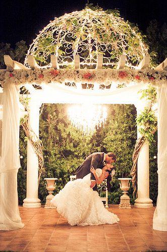 Night Time Twinkle Lights Photos At Villa De Amore Temecula California Wedding Venues Vill Temecula Wedding Venues White Roses Wedding Outdoor Wedding Venues