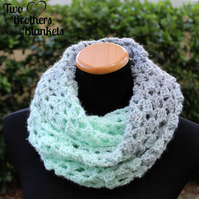 The delightful scarf is easy, quick, and beautiful! Use any bulky #5 ...