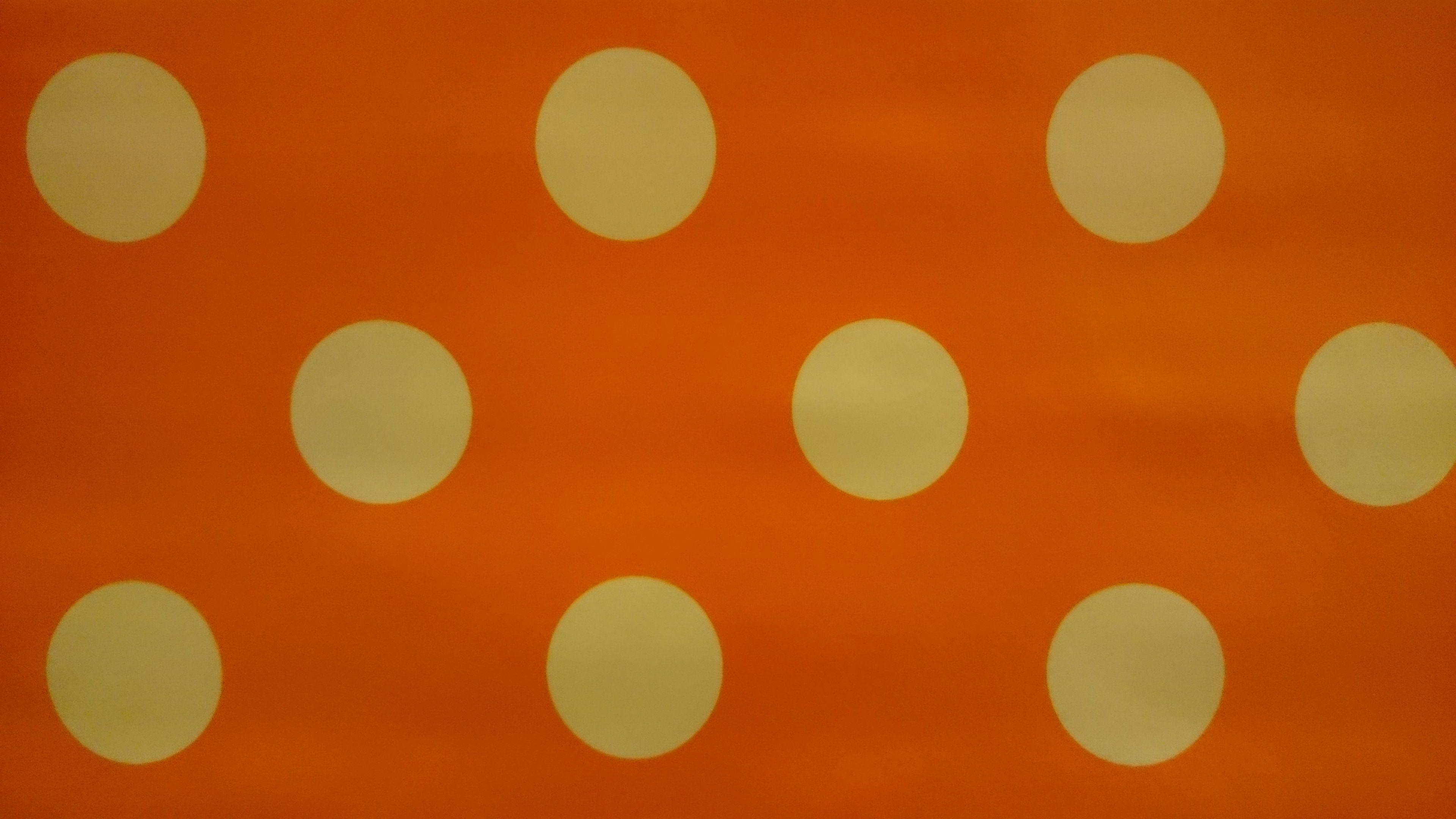www.viacannella.nl | oranje tafelzeil met stippen | VIA CANNELLA KOOKWINKEL | CUIJK