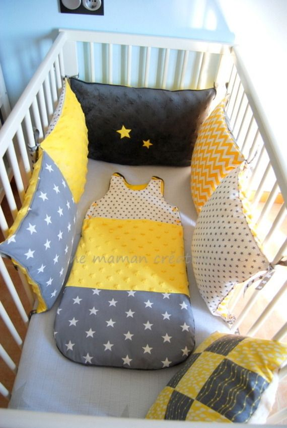 id ee diy tour de lit avec coussins couture pinterest babies bb and patchwork. Black Bedroom Furniture Sets. Home Design Ideas