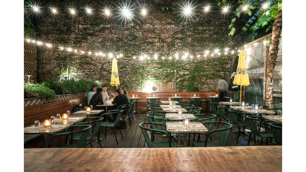 New York's Chicest Gardens to Brunch In Restaurant patio