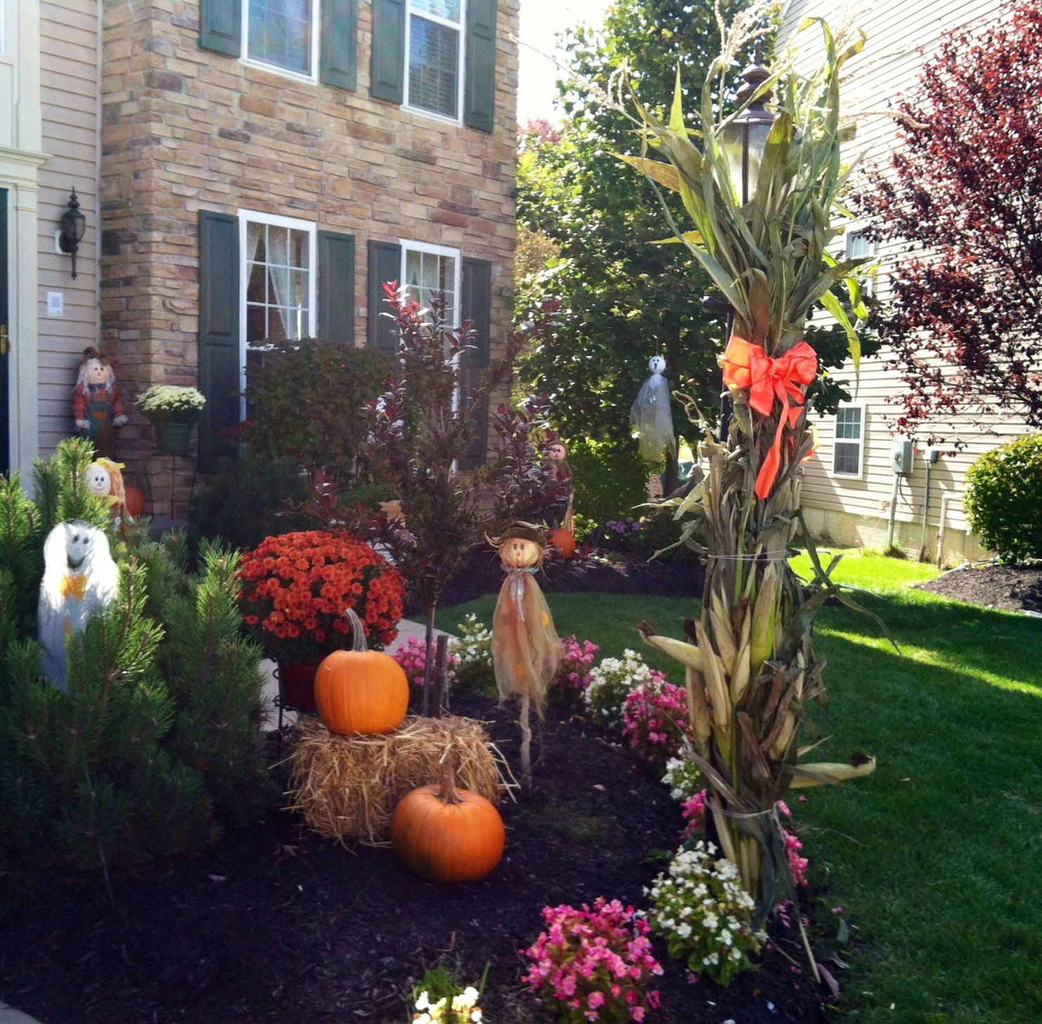 Autumn Yard Decorations: Best 25+ Outdoor Fall Decorations Ideas On Pinterest