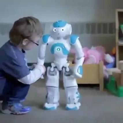 This Robot Is So Cool! 😍 A Great Gift For Any Chil