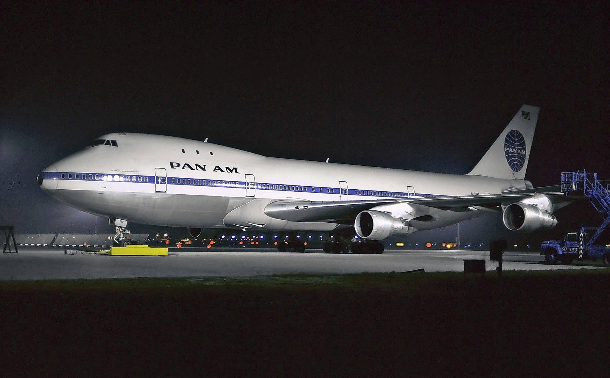 A Pan Am BOEING 747100 N653PA Clipper Ship AVIATION