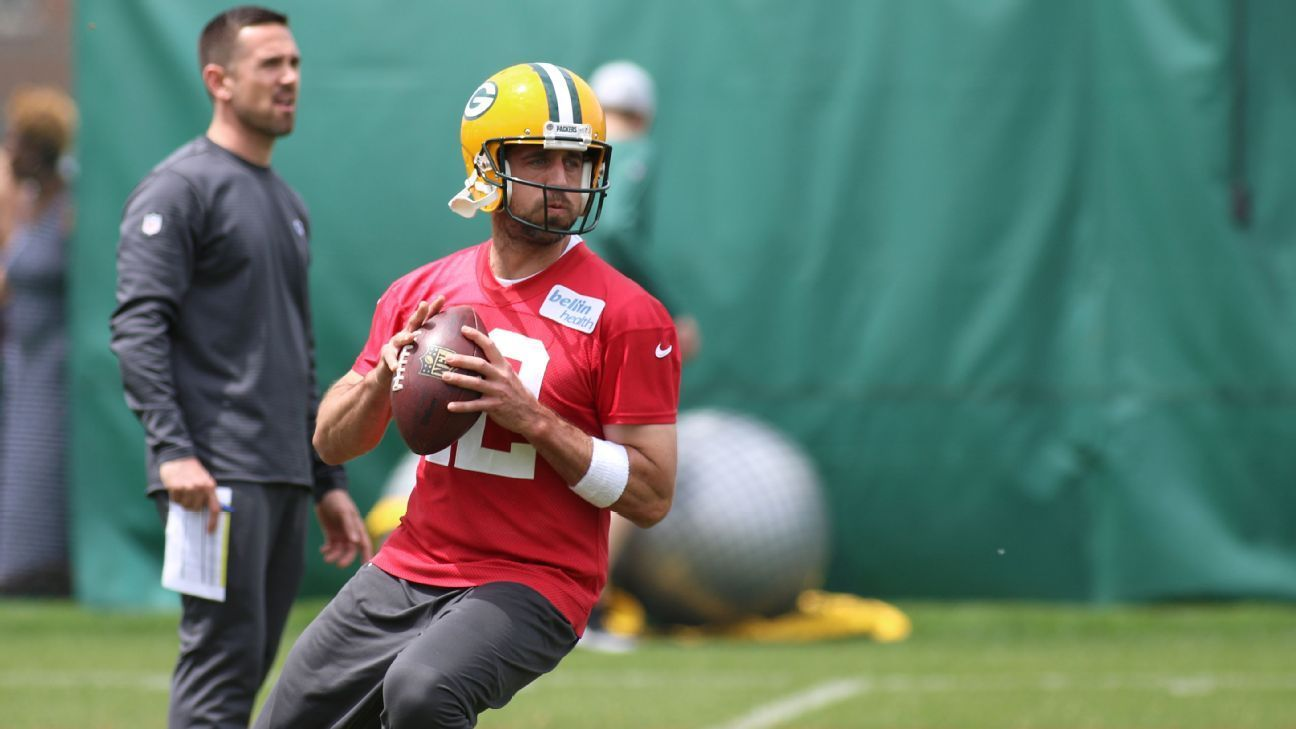 Rodgers Returns To Practice Thu Start Uncertain Different Sports Football How To Look Pretty