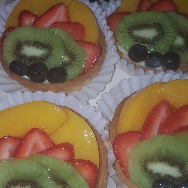 Yummy fruit tarts @makemycakenyc #nationaldessertday #foodporn #dessertporn #yummy #Sweeties #goodness  Yummery - best recipes. Follow Us! #nationaldessertday
