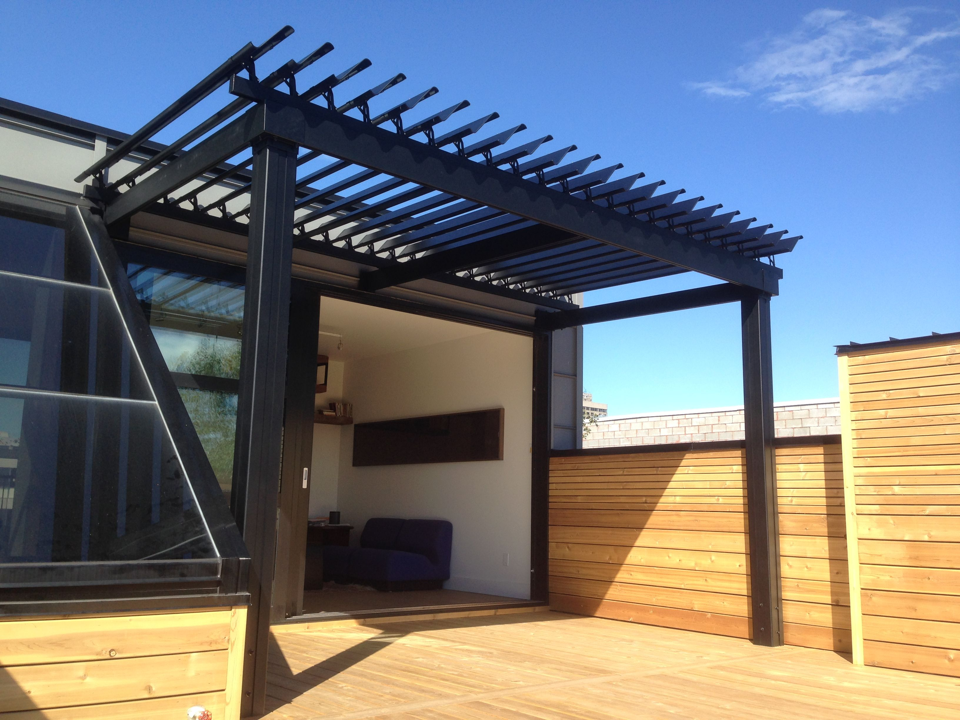 toit de terrasse en aluminium descriptif pergola toit terrasse aluminium x m anthracite with. Black Bedroom Furniture Sets. Home Design Ideas