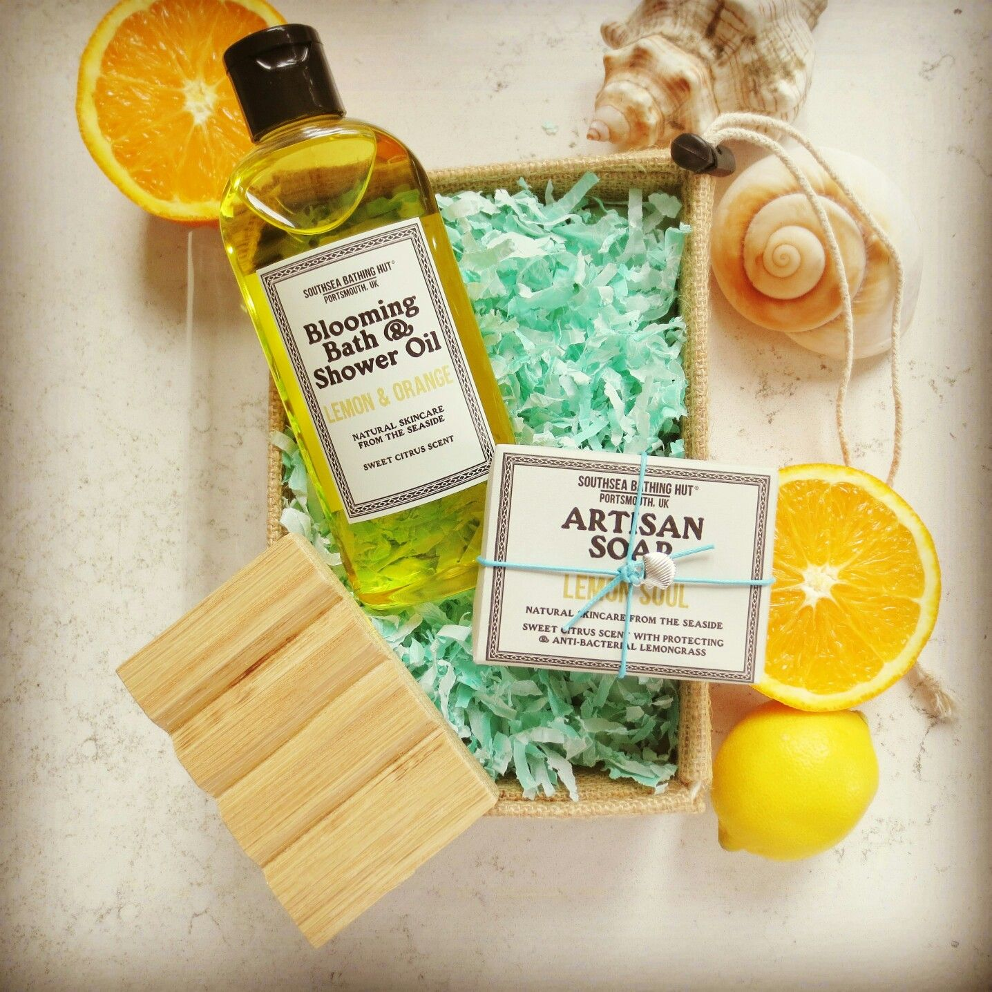The perfect bathtime treat! Two of our top selling products in one gorgeous gift box. Lemon and Orange Blooming Bath & Shower Oil with Lemon Soul Artisan Soap. Heavenly!