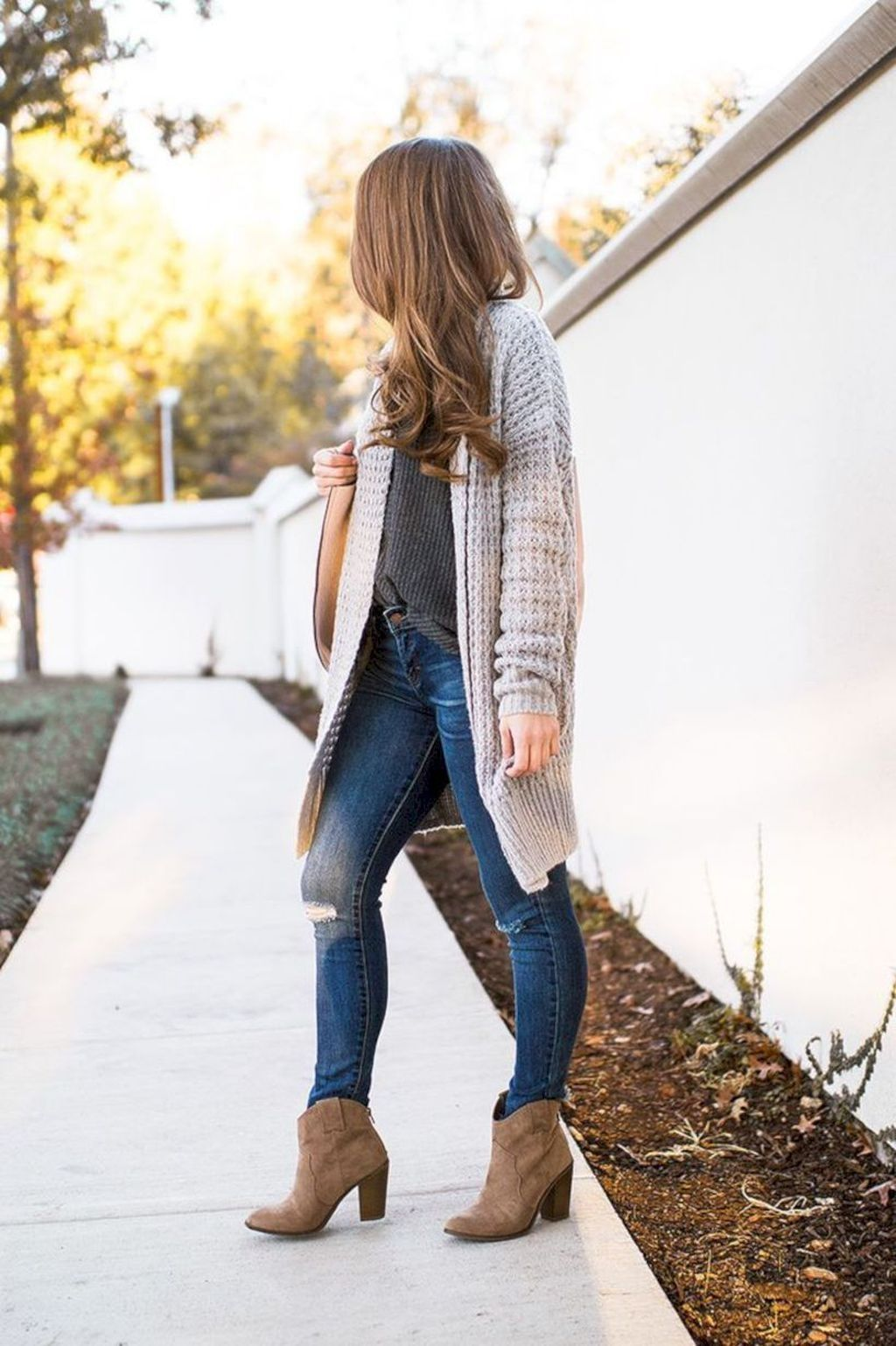 Woman red flannel outfits   Trending Fall Urban Women Fashion Ideas To Makes You Look