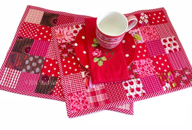 free tutorial placemat patchwork and tutorials. Black Bedroom Furniture Sets. Home Design Ideas