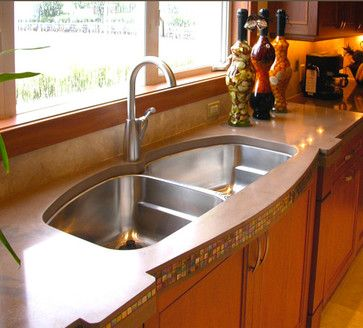 I like the deep sinks where both sides are large.