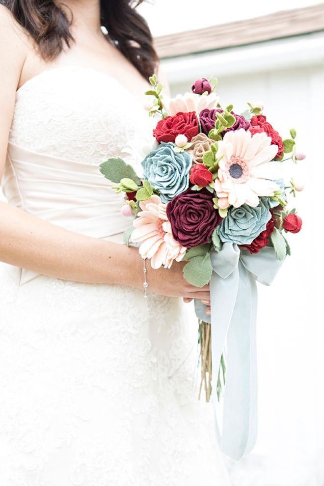How To Make The Most Gorgeous Wedding Bouquet Entirely of Felt! #fantasticweddingbouquets