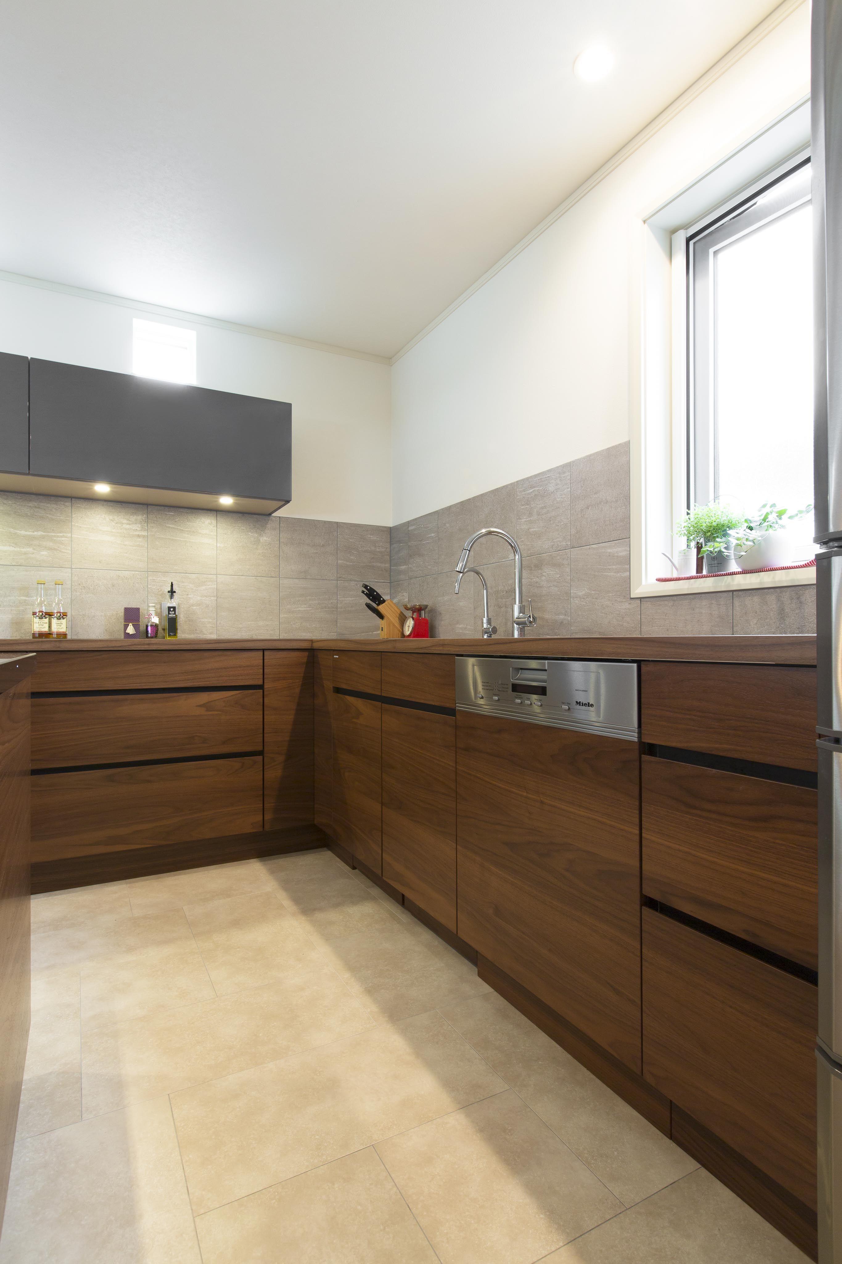オーダーキッチン L型キッチン 木目 飾り棚 オープンシェルフ Home Decor Home Kitchen Cabinets