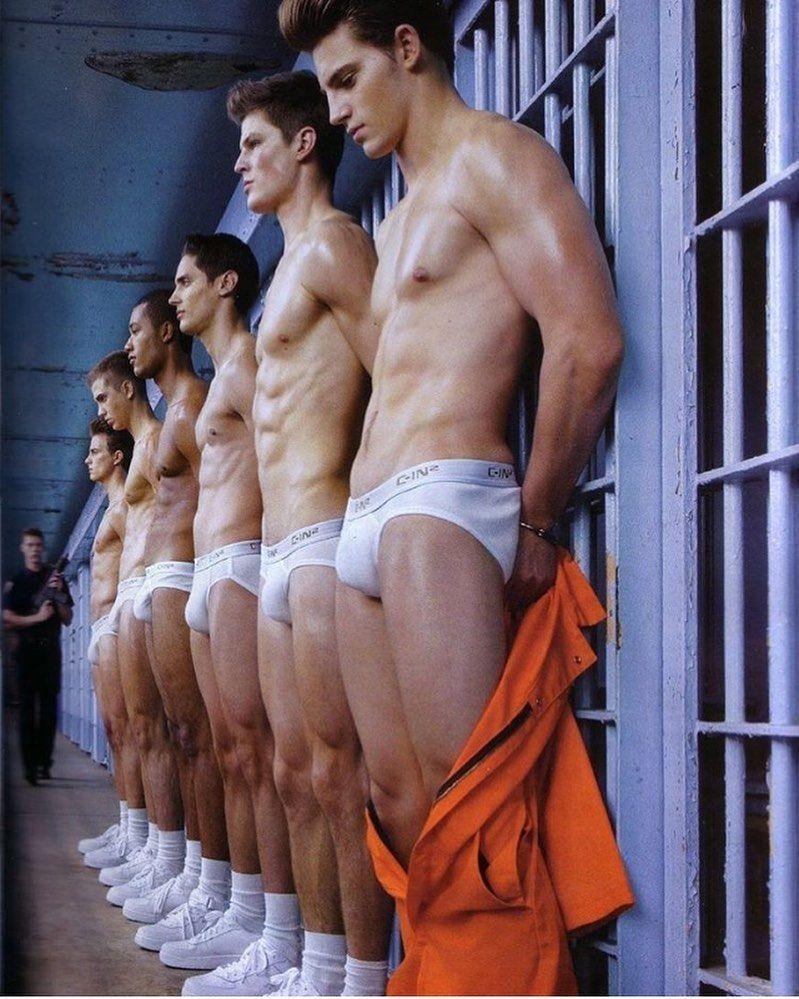 Bilder männer nackt von deutschen Nackt und
