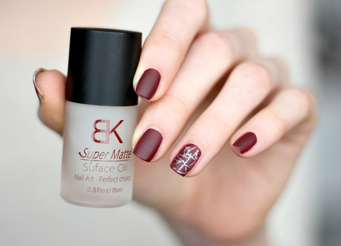 Nailart Super matte burgundy