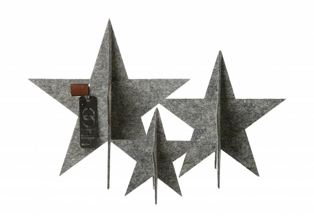 Hübsche Weihnachtsdekoration von OOhh für Tisch, Fensterbrett oder Regal. Die Sterne bestehen aus einem filzähnlichen Material, das aus recyceltem Plastik he