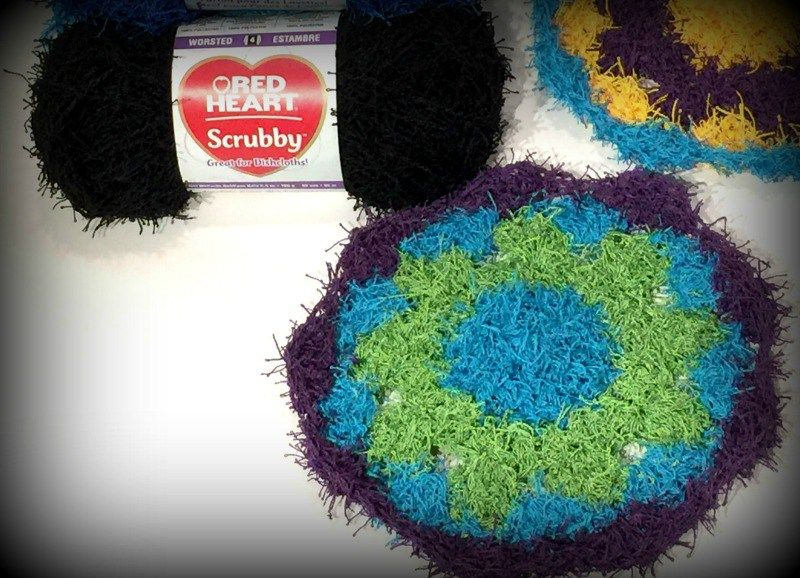 How to crochet with the new scrubby yarn by RedHeart. Plus a free ...