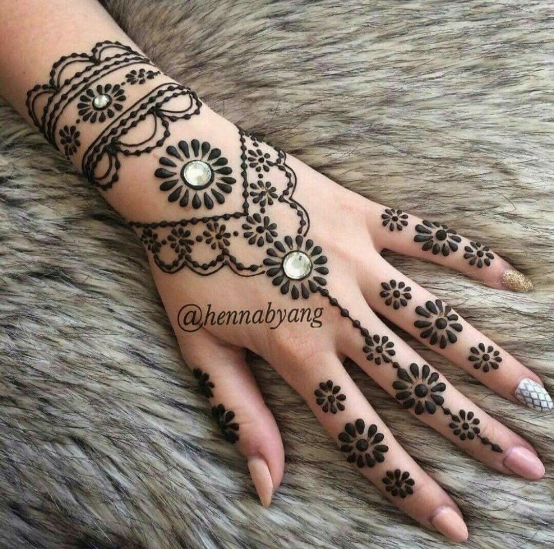 Pin by pri k on hennamehendi pinterest hennas mehndi and henna