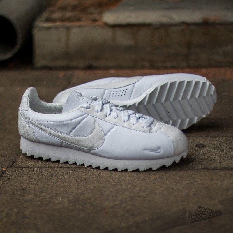 separation shoes 4823a 5e68a Nike Classic Cortez Shark Low SP White White-Black