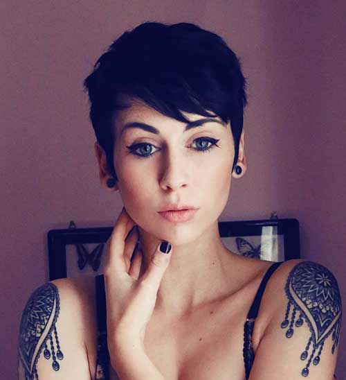 2016s most well known pixie cut with bangs pixie cut pixies and pixie cut with bangs pixie haircut pixie haircuts for women pixie style haircuts short pixie hairstyles winobraniefo Gallery