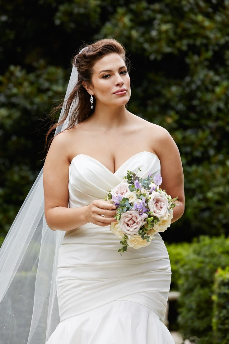 Ashley Graham Wedding.Strapless Sheath Wedding Dress Bride Wedding Gowns