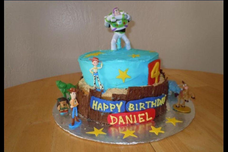 Buzz light cake desserts birthday cake