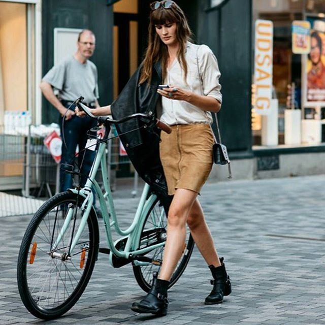 Bicycle babe #skirt