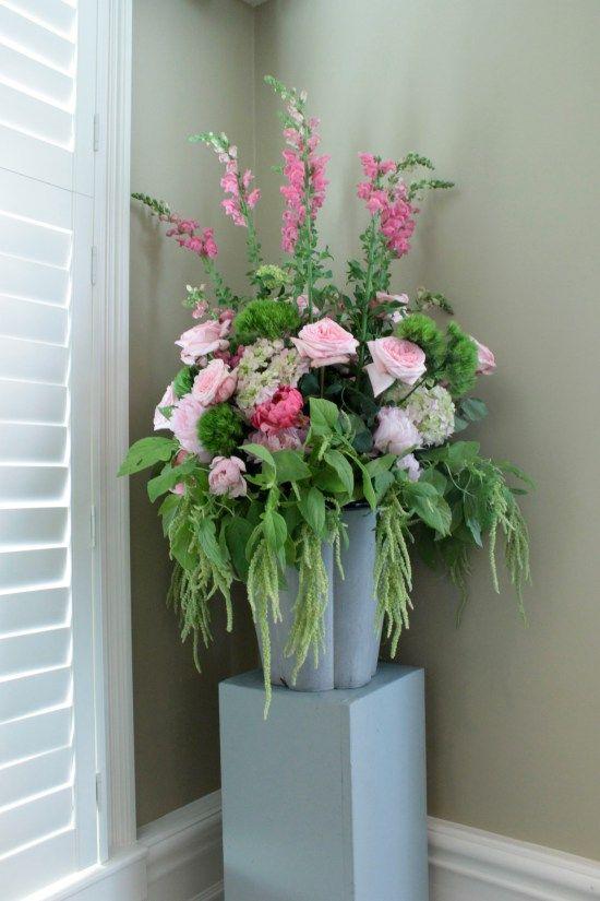 Roses Hydrangeas Peonies And Snaps Brighten A Corner At Bal Du
