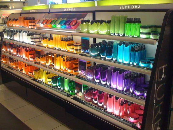 Colour blocking at Sephora. #retail #merchandising #colour ...
