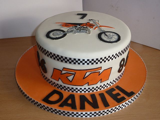 Ktm Dirt Bike Motocross Birthday Cake This Is Kinda The Style I Was