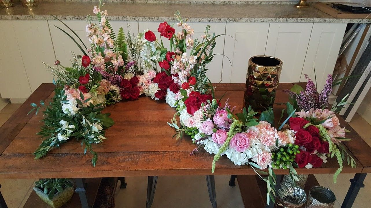 Send the Cremation Flower Design bouquet of flowers from