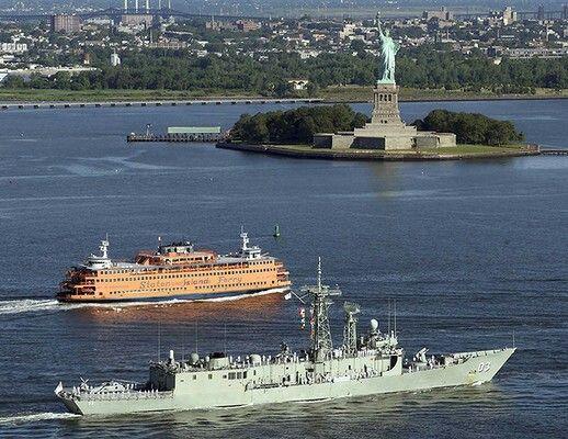 Hmas Sydney Ffg 03 Sails Into New York July 2009 Royal Australian Navy Naval Navy Ships