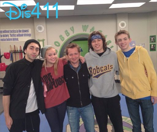 """Young Hollywood Talked With The Cast Of """"Kickin' It"""" About"""