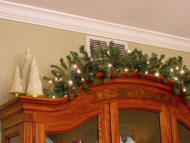 Don T Forget To Decorate The Top Of Cabinet Christmas Fireplace Decorating Blogs China