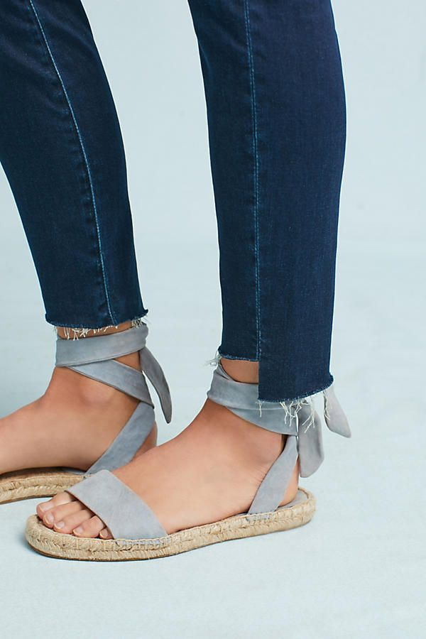 26f88f393d0a72 Slide View  3  Mother The Stunner Zip Ankle Step Fray Ultra High-Rise Jeans