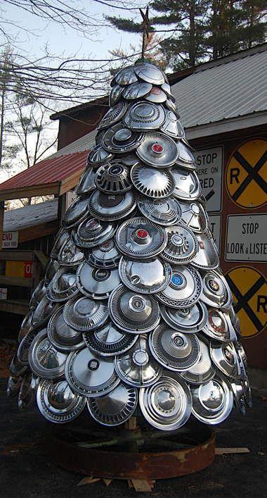 Metal Tree Made From Hub Caps Car Parts Circle Round Christmas Tree Metal Tree Wall Art Tree Wall Art Diy Tree Wall Art