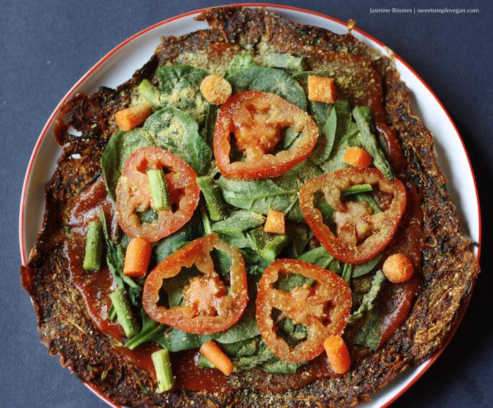 Low Fat Raw Vegan Zucchini Crust Pizza (nut- & gluten-free)